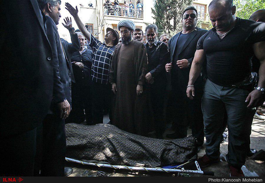 چه کسی بر پیکر ناصر ملک مطیعی نماز خواند؟ + عکس