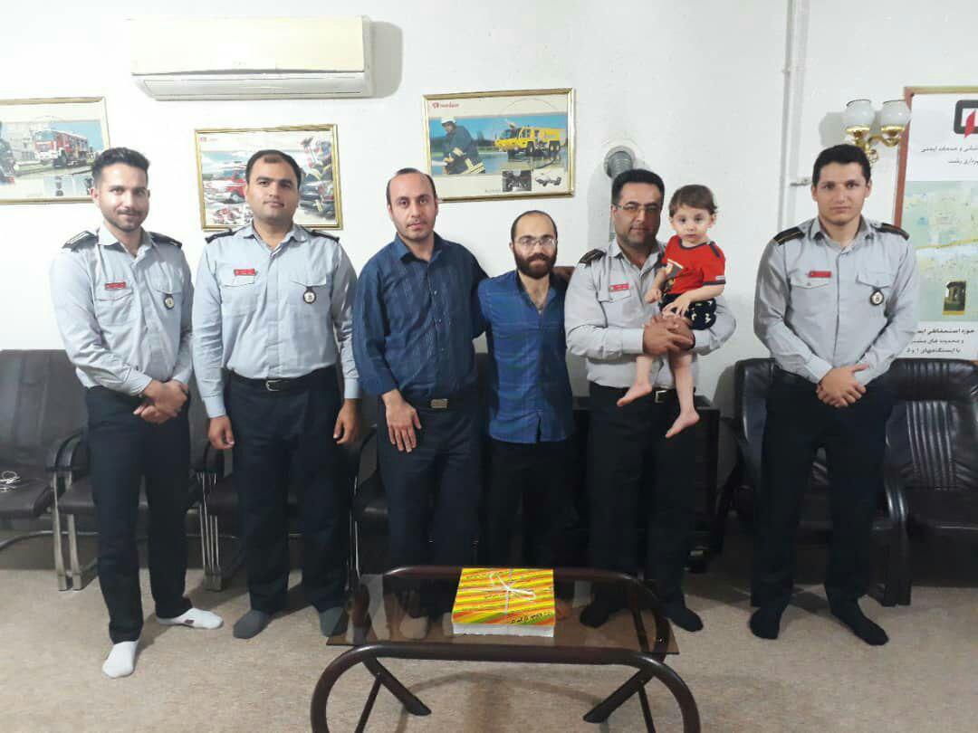 از نجات کودک ۲ ساله تا حضور در ایستگاه آتش نشانی رشت