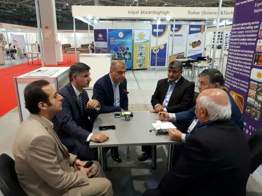 معرفی توانمندیهای صنعتی و صادراتی منطقه آزاد انزلی در نمایشگاه بین المللی صنعت کراسنودار روسیه