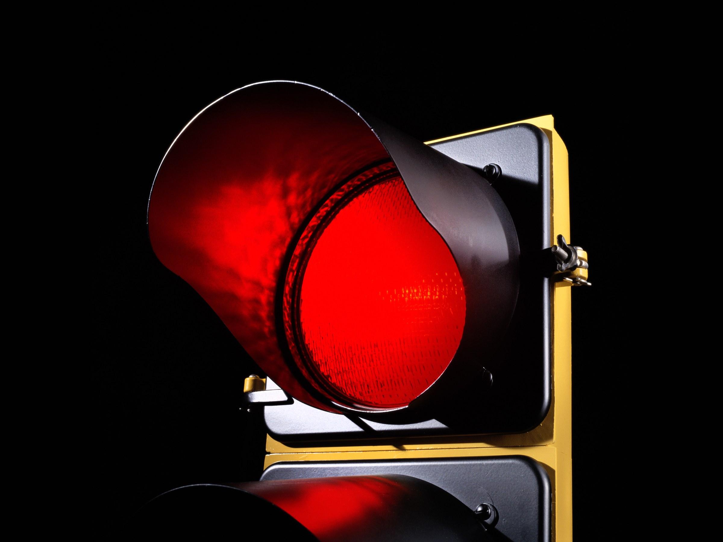 عبور از چراغ قرمز